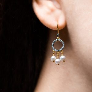 Earrings gold with fw pearls and diamonds