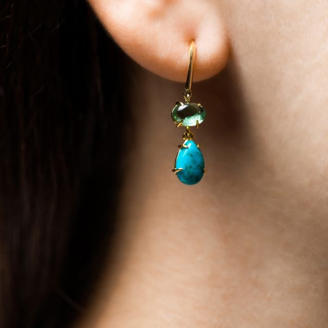 Earrings golid with green tourmalines and turquise