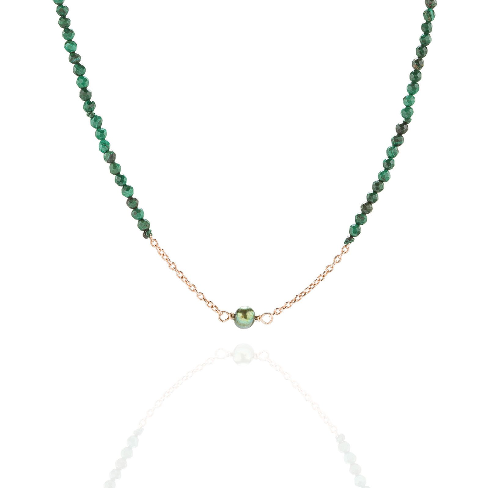 Short Necklace with Pearl