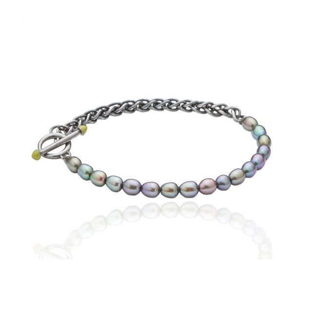 Bracelet with black chain & pearls